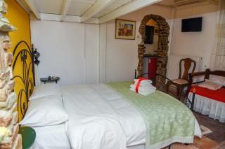 accommodation voreades bedroom interior