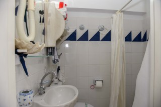 accommodation voreades cozy bathroom