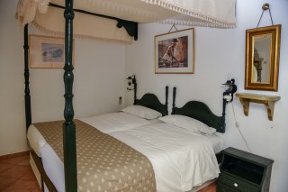 accommodation voreades cozy room