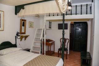 accommodation voreades elegant room