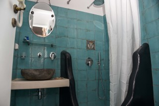 accommodation voreades shower facilities