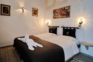double bedroom voreades twin beds