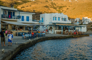 location voreades tinos harbour