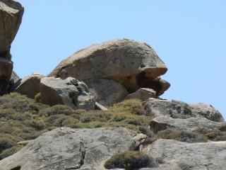 location voreades tinos rocks